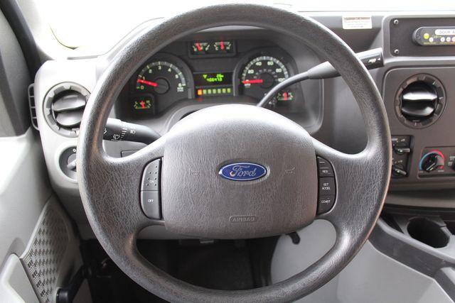 2016 Ford 15 Passenger Starcraft Shuttle Bus W/ Wheelchair Lift Irving, Texas 35