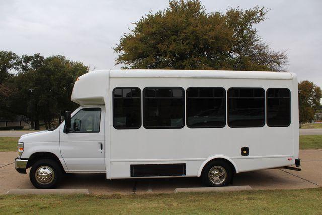 2016 Ford 15 Passenger Starcraft Shuttle Bus W/ Wheelchair Lift Irving, Texas 5