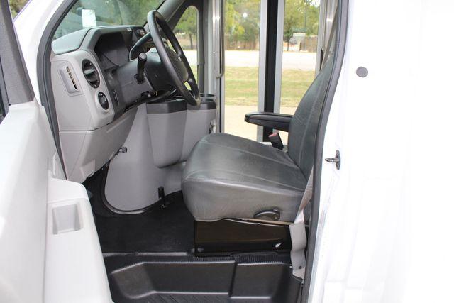2016 Ford 15 Passenger Starcraft Shuttle Bus W/ Wheelchair Lift Irving, Texas 50