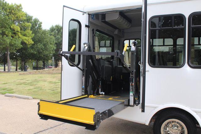 2016 Ford 15 Passenger Starcraft Shuttle Bus W/ Wheelchair Lift Irving, Texas 59
