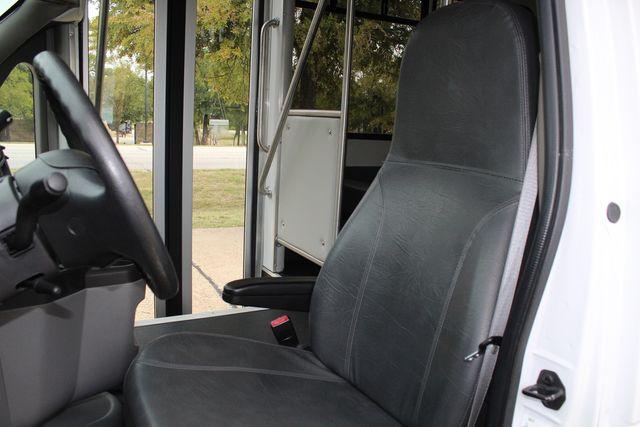 2016 Ford 15 Passenger Starcraft Shuttle Bus W/ Wheelchair Lift Irving, Texas 51