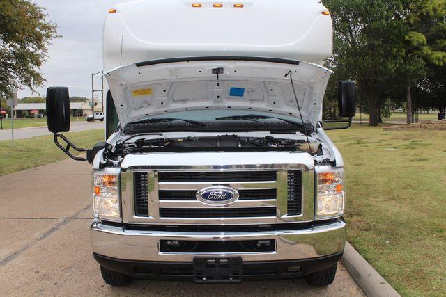 2016 Ford 15 Passenger Starcraft Shuttle Bus W/ Wheelchair Lift Irving, Texas 73