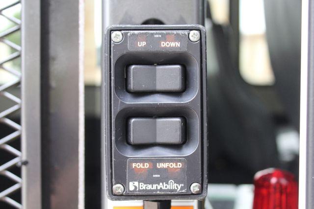 2016 Ford 15 Passenger Starcraft Shuttle Bus W/ Wheelchair Lift Irving, Texas 58