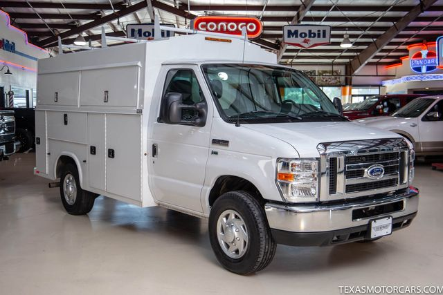 2016 Ford E-Series Cutaway Base in Addison, Texas 75001