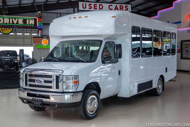 2016 Ford E-Series Cutaway Shuttle Bus in Addison, Texas 75001