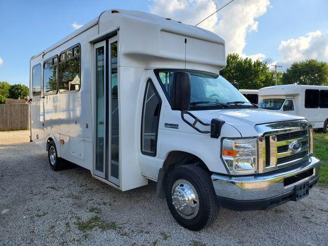 2016 Ford E-Series / Glaval 14 Passenger Bus Wheelchair Accessible Alliance, Ohio 3