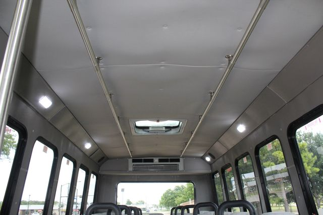 2016 Ford E450 26 Passenger Luxury Diamond Coach Shuttle Bus in Irving, Texas 75060