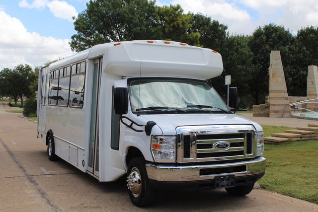 2016 Ford E450 Champion Shuttle Bus, 19 Seats, Wheelchair Lift Irving, Texas 1