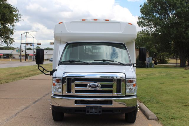 2016 Ford E450 Champion Shuttle Bus, 19 Seats, Wheelchair Lift Irving, Texas 2