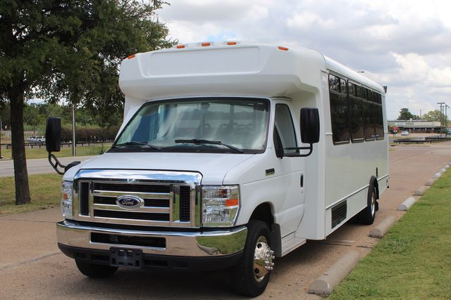 2016 Ford E450 Champion Shuttle Bus, 19 Seats, Wheelchair Lift Irving, Texas 3
