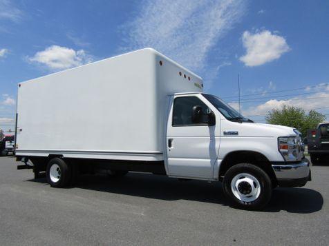 2016 Ford E450 16' Box Truck with 4400 LB Lift Gate in Ephrata, PA