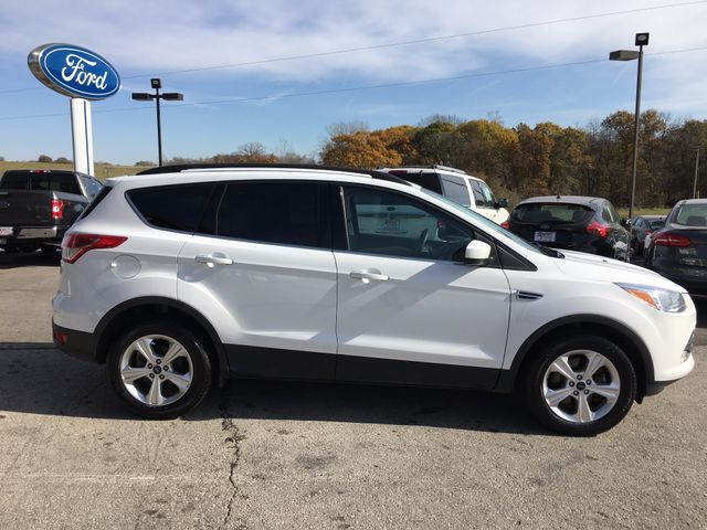 2016 Ford Escape SE 4X4 in Gower Missouri, 64454