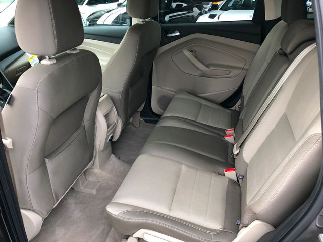 2016 Ford Escape SE in Gower Missouri, 64454