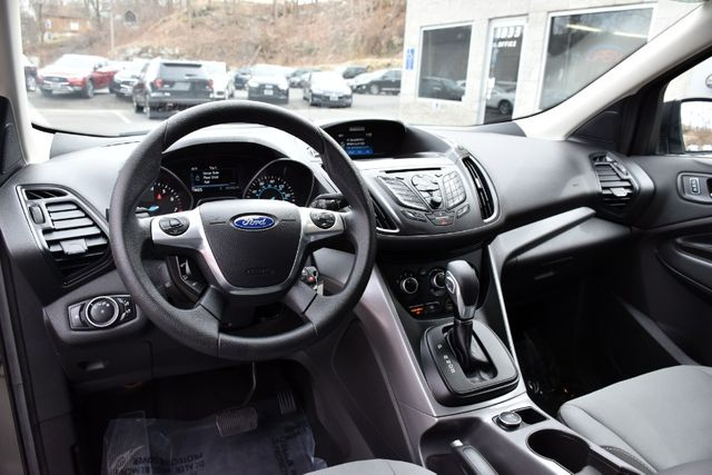 2016 Ford Escape SE Waterbury, Connecticut 10