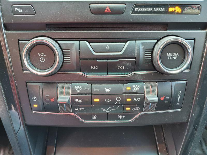 2016 Ford Explorer XLT  Brownsville TX  English Motors  in Brownsville, TX