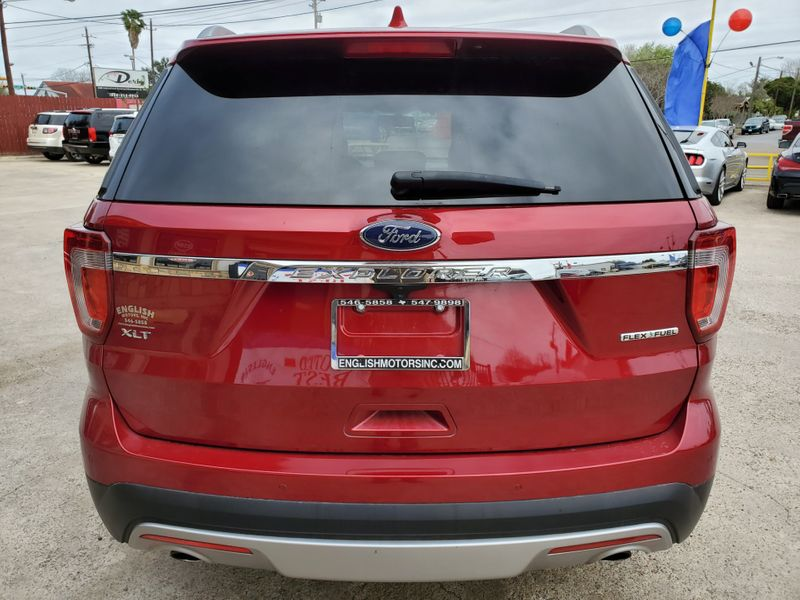 2016 Ford Explorer XLT  Brownsville TX  English Motors  in Brownsville, TX