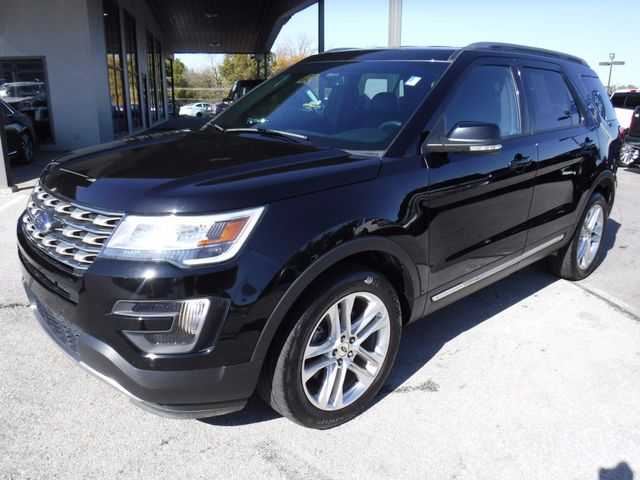 2016 Ford Explorer XLT 4X4 in Gower Missouri, 64454