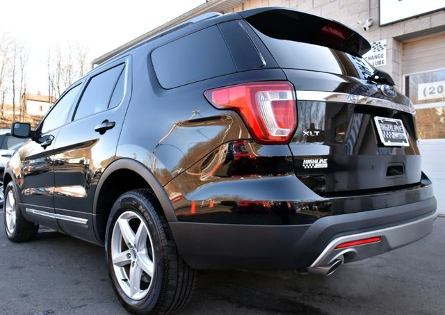 2016 Ford Explorer XLT Waterbury, Connecticut 3
