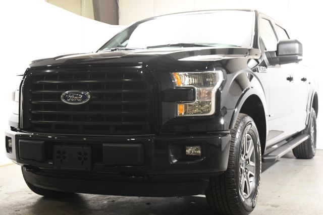 2016 Ford F-150 XLT w/ Full Center Consol/ Nav/ Heated Seats