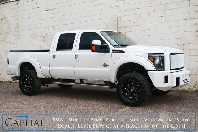 2016 Ford F-250 Super Duty Crew Cab 4x4 w/Nav, Backup Cam, Heated & Ventilated Seats and Power Moonroof in Eau Claire, Wisconsin 54703