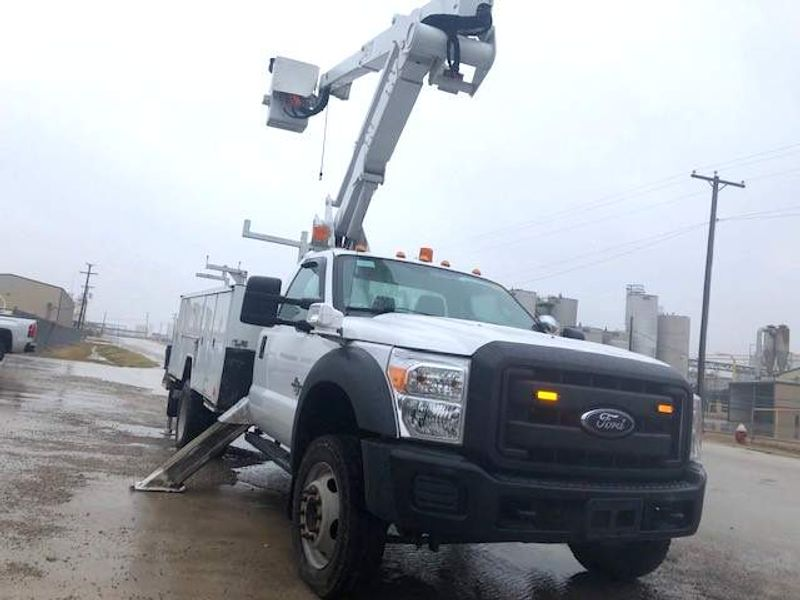 2016 Ford F-550 4X4 ARTICULATING  TELESCOPIC 42 ETI W MATERIAL HANDLER  city TX  North Texas Equipment  in Fort Worth, TX