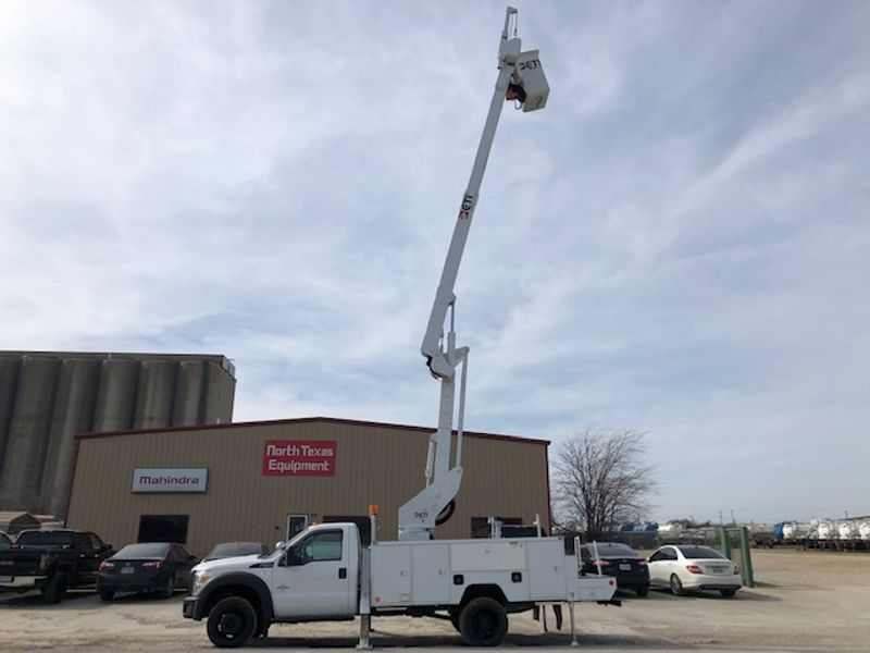 2016 Ford 2016 F-550 4X4 ETI 42 ARTICULAT AND TELESCOPIC W MATERIAL HANDLER  city TX  North Texas Equipment  in Fort Worth, TX