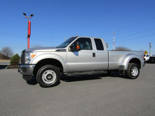2016 Ford F350 Extended Cab Dually 4x4
