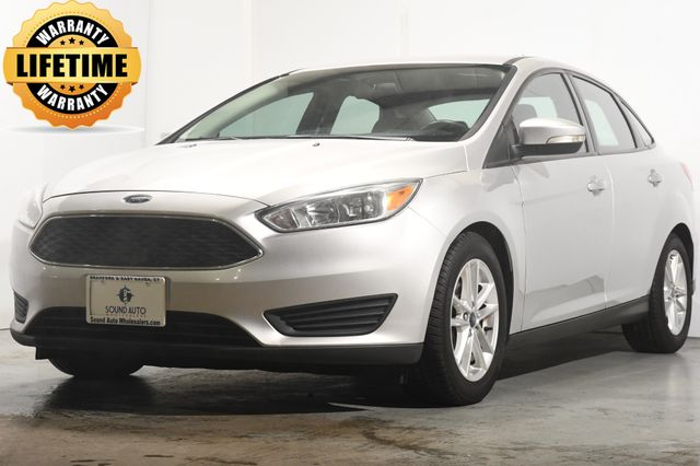2016 Ford Focus SE w/ Heated Seats