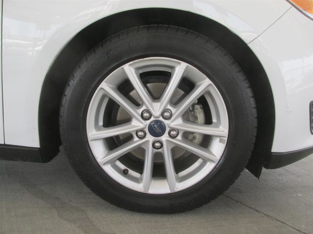 2016 Ford Focus SE Gardena, California 14