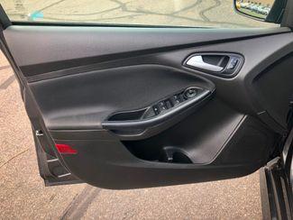 2016 Ford Focus SE Maple Grove, Minnesota 14