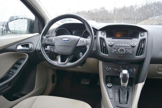 2016 Ford Focus SE Naugatuck, Connecticut 12