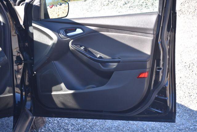 2016 Ford Focus Titanium Naugatuck, Connecticut 10