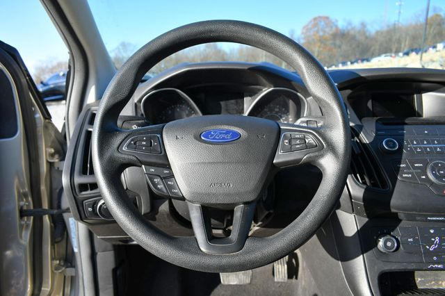 2016 Ford Focus SE Naugatuck, Connecticut 18