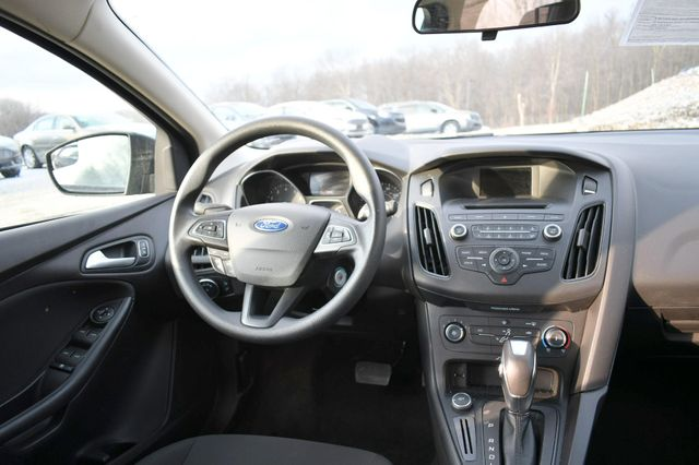 2016 Ford Focus SE Naugatuck, Connecticut 12