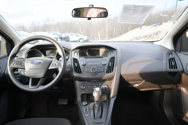 2016 Ford Focus SE Naugatuck, Connecticut 13