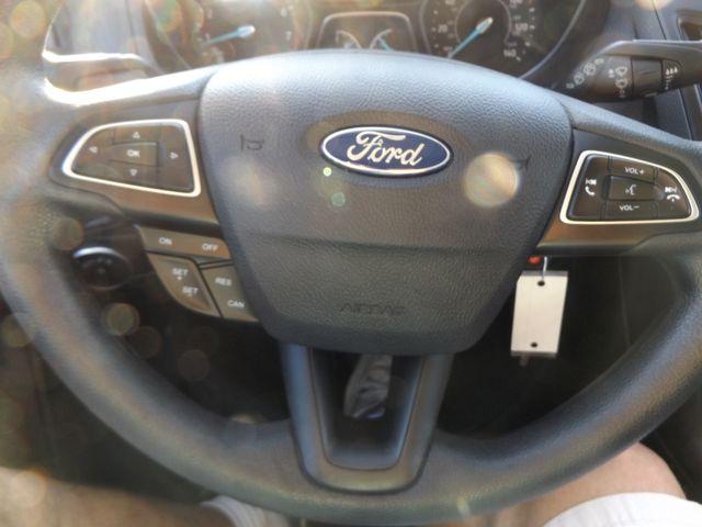 2016 Ford Focus SE Warsaw, Missouri 23