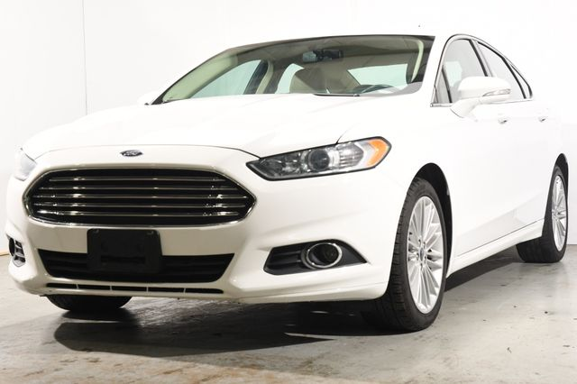 2016 Ford Fusion SE w/Nav/ Tech