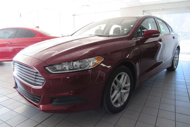2016 Ford Fusion SE W/ BACK UP CAM Chicago, Illinois 3