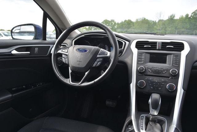 2016 Ford Fusion Hybrid SE Naugatuck, Connecticut 13