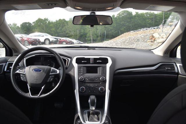 2016 Ford Fusion Hybrid SE Naugatuck, Connecticut 14