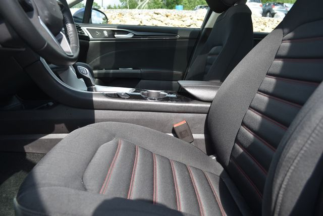 2016 Ford Fusion Hybrid SE Naugatuck, Connecticut 18
