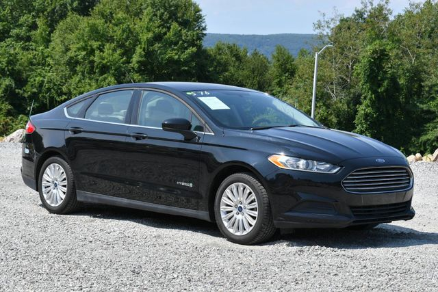 2016 Ford Fusion Hybrid S Naugatuck, Connecticut