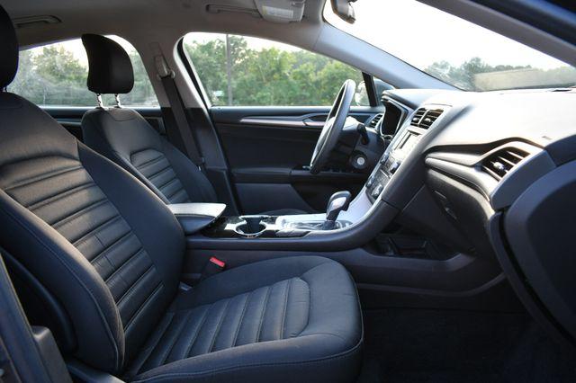2016 Ford Fusion Hybrid SE Naugatuck, Connecticut 9