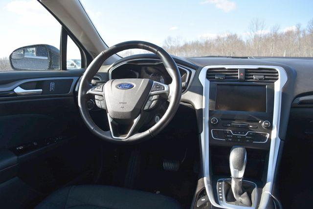 2016 Ford Fusion SE AWD Naugatuck, Connecticut 12