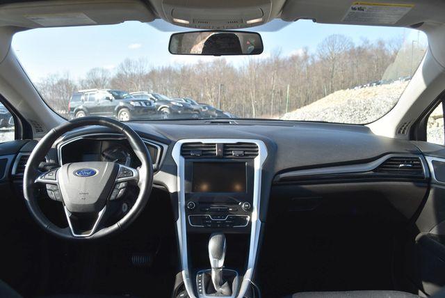 2016 Ford Fusion SE AWD Naugatuck, Connecticut 13