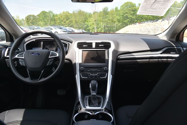 2016 Ford Fusion SE Naugatuck, Connecticut 13