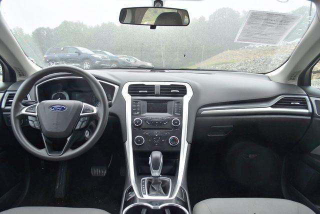2016 Ford Fusion S Naugatuck, Connecticut 13