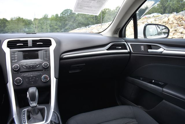 2016 Ford Fusion SE Naugatuck, Connecticut 13