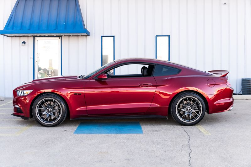 2016 Ford Mustang GT 6 SPD MAN LEATHER CLEAN CARFAX UPGRADES NICE! in Rowlett, Texas