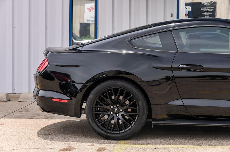 2016 Ford Mustang 5.0L V8 GT, 6-SPEED MANUAL TRANS, UBER CLEAN!! in Rowlett, Texas